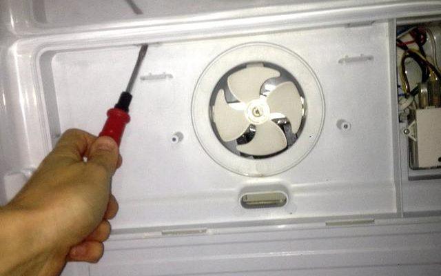 Почему гудит холодильник: что делать если шумит и дребезжит